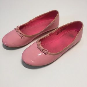 H&M Little Girls Pink Flat Shoes  Size: 2